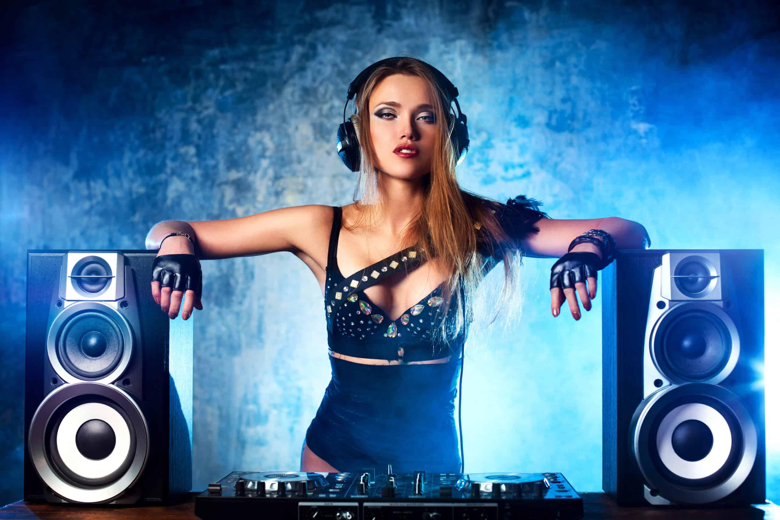 setting up DJ speakers